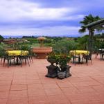 Hotel Terrasse mit Sicht zum Gardasee