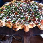 Spicy tomato pizza