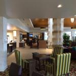 Lobby und Blick auf Restaurant
