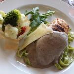 Chicken Cordon BleuChicken breast filled with Gypsey ham & emmerthaler cheese, garlic wine & cre