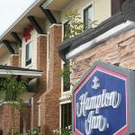 Hampton Inn Brentwood Exterior Signage