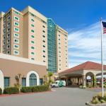 Photo de Embassy Suites by Hilton Hotel Monterey Bay - Seaside