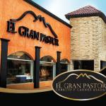La marca que lleva la tradición del norte de México en su alta cocina con cabrito y finos cortes
