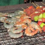 barbecue gambas & brochettes