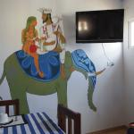 レストランの壁の絵が素敵です