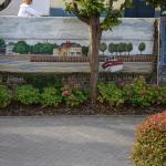 Le mur de la propriété avec peinture du port