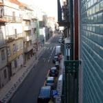 Vista del balcon de la habitación a la calle principal
