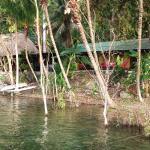 Instalaciones desde el Lago Petén Itza