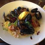 MAINS - Seafood & Chanterelle Linguine