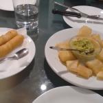Pequeños y yuca frita con guacamole