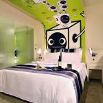 Premium Deluxe King Room-Green Style