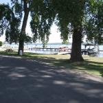 The dock is visited by many boaters during the day who stop for lunch.