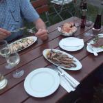 Speisen im Biergarten vom Pelayo