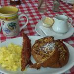 Janet's Onancock General Store & Cafe