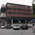 Hôtel Le Verseau - Vue du parking
