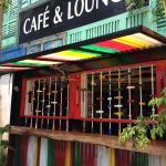 Infiniti Cafe & Lounge