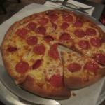 Medium pepperoni pizza