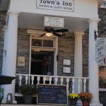 Town's Inn Tavern