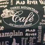 Foto Three Mountain Cafe