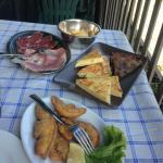 torta fritta e salumi, torte salate parmigiane, funghi fritti