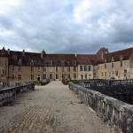 Château vu de la grille d'honneur.