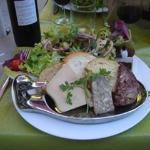 L'assiette de canard dans tous ses états sur ses toasts grillés