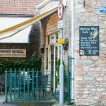 Photo de Spinning Wheel Cafe
