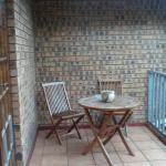 Butterfly Room - Family Room - Balcony overlooking the Garden and Swimmingpool