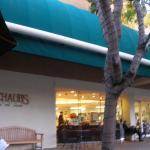 スタンフォード・ショッピングセンターの肉屋SHAUB'S