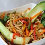Oriental stir fry with Steam Basmathi rice or Noodles (Vegetable/Chicken/Prawn)