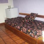 sofa cama adicional y nevera
