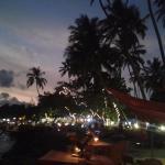 Вид на побережье из ресторана в 130м от отеля вечером