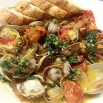 Sauteed clams with white wine butter sauce