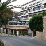 Photo de Hotel Petit Cala Fornells