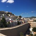 La Ventana est très bien situé (Dalt Vila en El centro de Ibiza👌Petit clin d œil à Francisco et