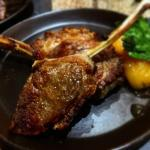 Lamb with poached apricots - Tapas