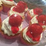 Strawberry Cupcakes - Berry yummy! 😊