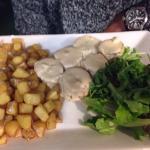 Souris d'agneau poulet au broccio tiramisu Nutella tarte citron meringuée