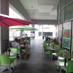 Photo de Front Street Café