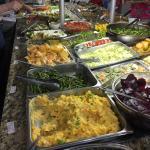 Variedade enorme e so comidas naturais. Todos os alimentos sao sem agrotóxicos, sao 100% naturai
