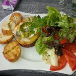 La clochette,  le crémeux de Chèvre aux tomates confites et le croustillant de Chèvre