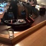 Sushi im Boot