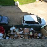poubelles visibles sous notre fenêtre