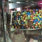 Snapped this photo of the M&M cake in the display.... doesn't look very good, does it?