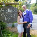 Elopement at Sandlake Country Inn