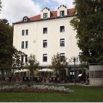Hotel Zagreb with Kaiser restaurant below