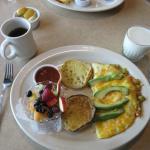 Vera Cruz omelet w-English muffin fresh fruit & salsa