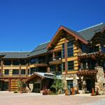 Hayden Lodge Exterior-Summer