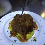 Great wine, great appetizer and great osso buco!