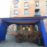 Vista frontal de este hotel